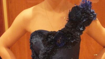 piękna, ręcznie szyta sukienka wieczorowa
