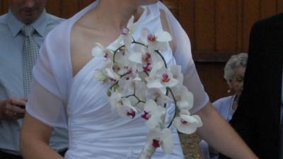 Piękna, skromna a jednocześnie wytworna suknia ślubna