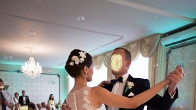 Piękna skromna UROCZA suknia ślubna r. 36-38