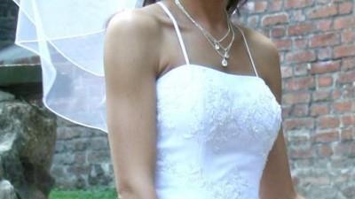 Piękna śnieżnobiała suknia Cosmobella 7166