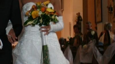 Piękna śnieżnobiała suknia URSZULA MATEJA.