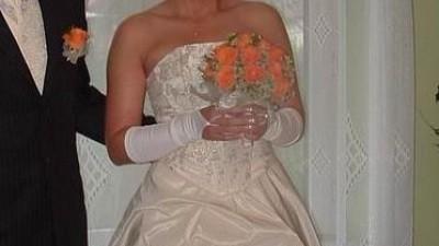 Piękna suknia ecru tafta inteligentna rozm.  38-40/170