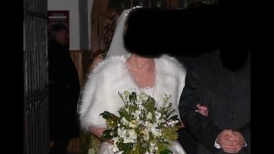 Piękna Suknia Ecry + dodatki ( korzuszek ,rękawiczki stroik pękny welon)