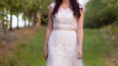piękna suknia ślubna Afrodyta 36/ 38 ecru