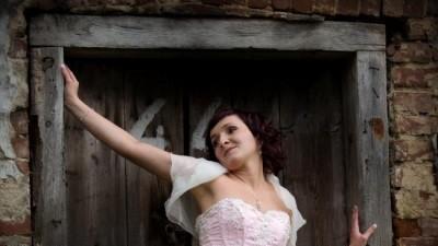 Piękna Suknia Ślubna + bolerko + diadem