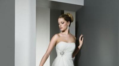 Piękna suknia ślubna Cosmobella 7456 + szal gratis