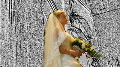 Piękna suknia ślubna Cymbeline Viana z dodatkami