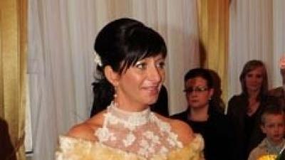 Piękna suknia ślubna - ecru, włoska koronka.