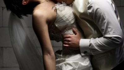 Piękna suknia ślubna FARAGE 4000