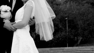 Piękna suknia ślubna- fason empire