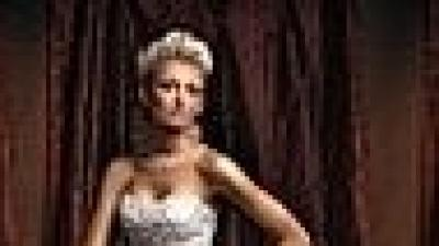 Piękna Suknia Ślubna firmy Annais Bridal model Asina  koloru jasny ecru