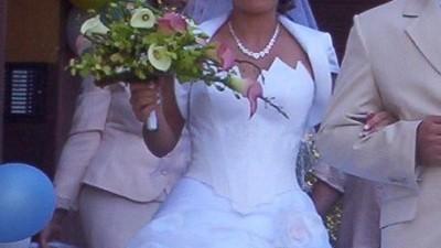 Piękna Suknia Ślubna firmy SZARM