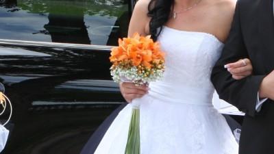 Piękna suknia ślubna gratis 2 welony i buty !!!!