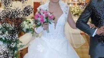 Piękna suknia ślubna gratis Bolerko