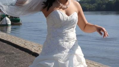 Piękna Suknia Ślubna kolekcja Lisa Ferrera rozm. 38/40