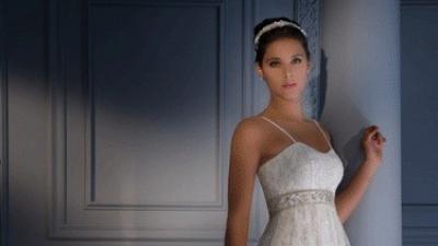 Piękna suknia ślubna koronkowa model Demetrios Idealna dla ciężarnej