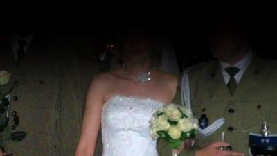 Piękna suknia ślubna Lisa Ferrera