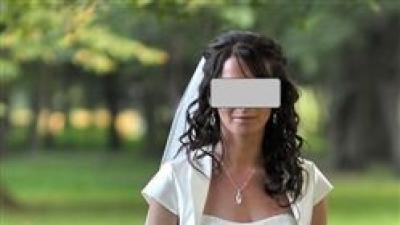 piękna suknia ślubna Lisa Ferrera Demetrios 900