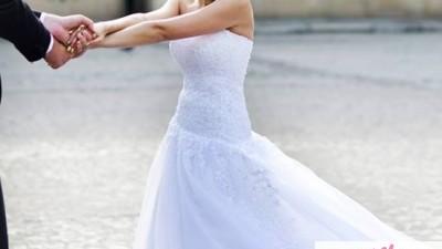 Piękna suknia ślubna negocjacja ceny Warto!