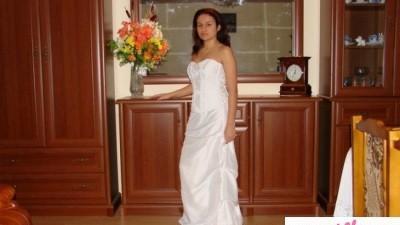 Piekna suknia slubna nowa