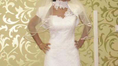 Piękna suknia ślubna w niepowtarzalnym wzorze