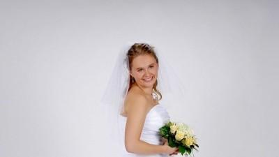 Piękna suknia ślubna z kolekcji URSZULA MATEJA 528