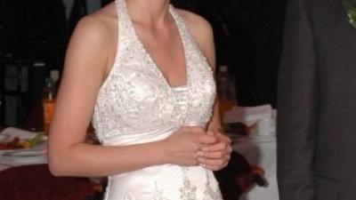Piękna suknia ślubna ze zdobieniami. Rozm 36