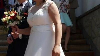 Piękna suknia sukienka ślubna CLASSA odświeżona. Kolor ecru, ekri