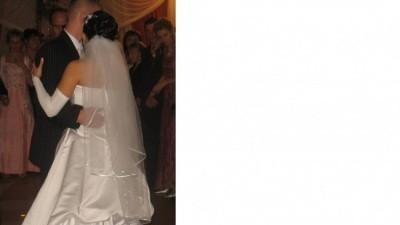piena suknia sluba biala z podpinanym trenem i dodatkami gratis