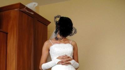 Pilnie sprzedam przepiękną suknię ślubną - 500,00 zł.