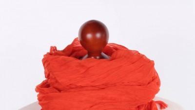 Pomarańczowa chusta