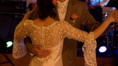 Ponadczasowa suknia ślubna dla Ciebie!