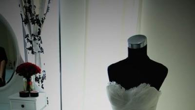 Pronovias Barbate Suknia Ślubna  tiul pióra