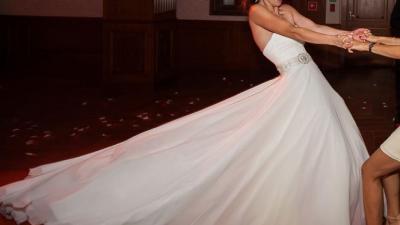 Prosta, elegancka suknia Maggio Ramatii