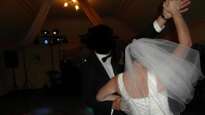 Prosta piękna sukienka suknia ślubna 40 - 42