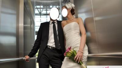 prosta sukienka ślubna z tafty z marynarką + woalka i buty