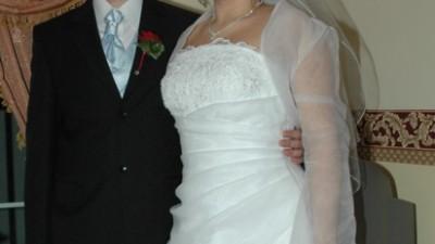 Przepiękna biała suknia ślubna z trenem !! 42