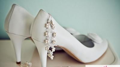 Przepiękna koronkowa suknia ślubna San Patrick Califa, model 2012 + welon + biżu