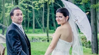 Przepiękna suknia ślubna dla tradycyjnej a zarazem szykownej Panny Młodej!