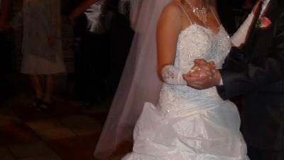 Przepiękna suknia ślubna godna polecenia!