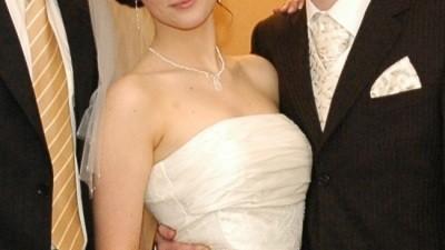 Przepiękna suknia ślubna z trenem, ecru