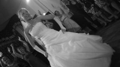 Przepiękna suknia z salonu AGORA