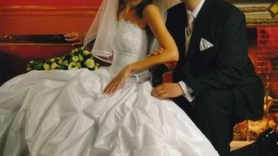 Przepiękna suknia z trenem
