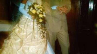 Przepiękną suknie ślubną  renomowanej firmy Agnes