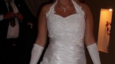 Przepięknie ozdabiana suknia ślubna...!!