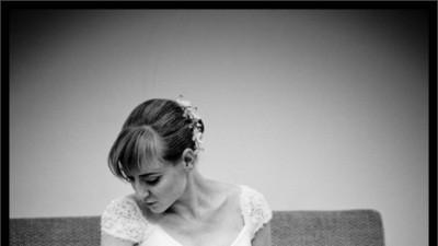 Przesliczna, biala suknia slubna z kolekcji Cosmobella 2008