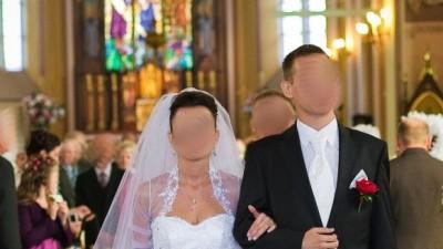 """PRZEŚLICZNA SUKNIA ŚLUBNA TYPU """"KSIĘŻNICZKA"""""""