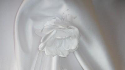 pszesliczna suknia slubna