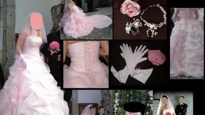 Różowa suknia ślubna.