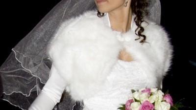 Satynowe bolerko ślubne